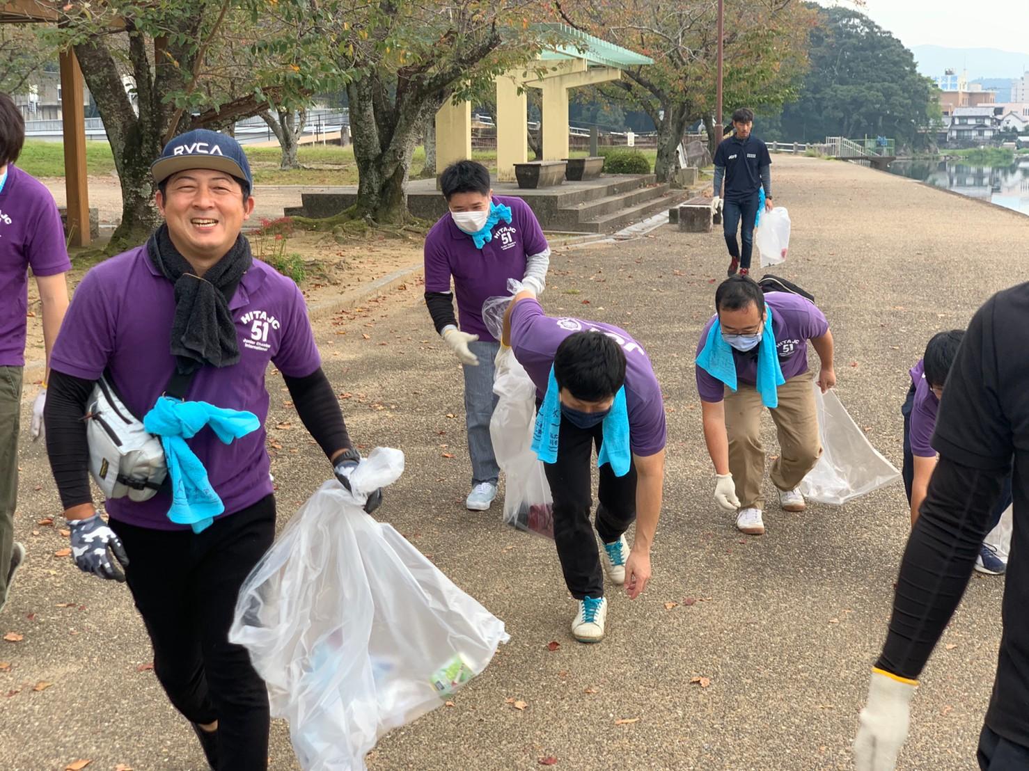 三隈川周辺の清掃活動と水難事故の防止対策講習